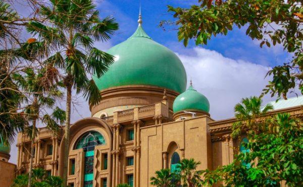 まるでモスクのように美しいマレーシアの首相官邸。